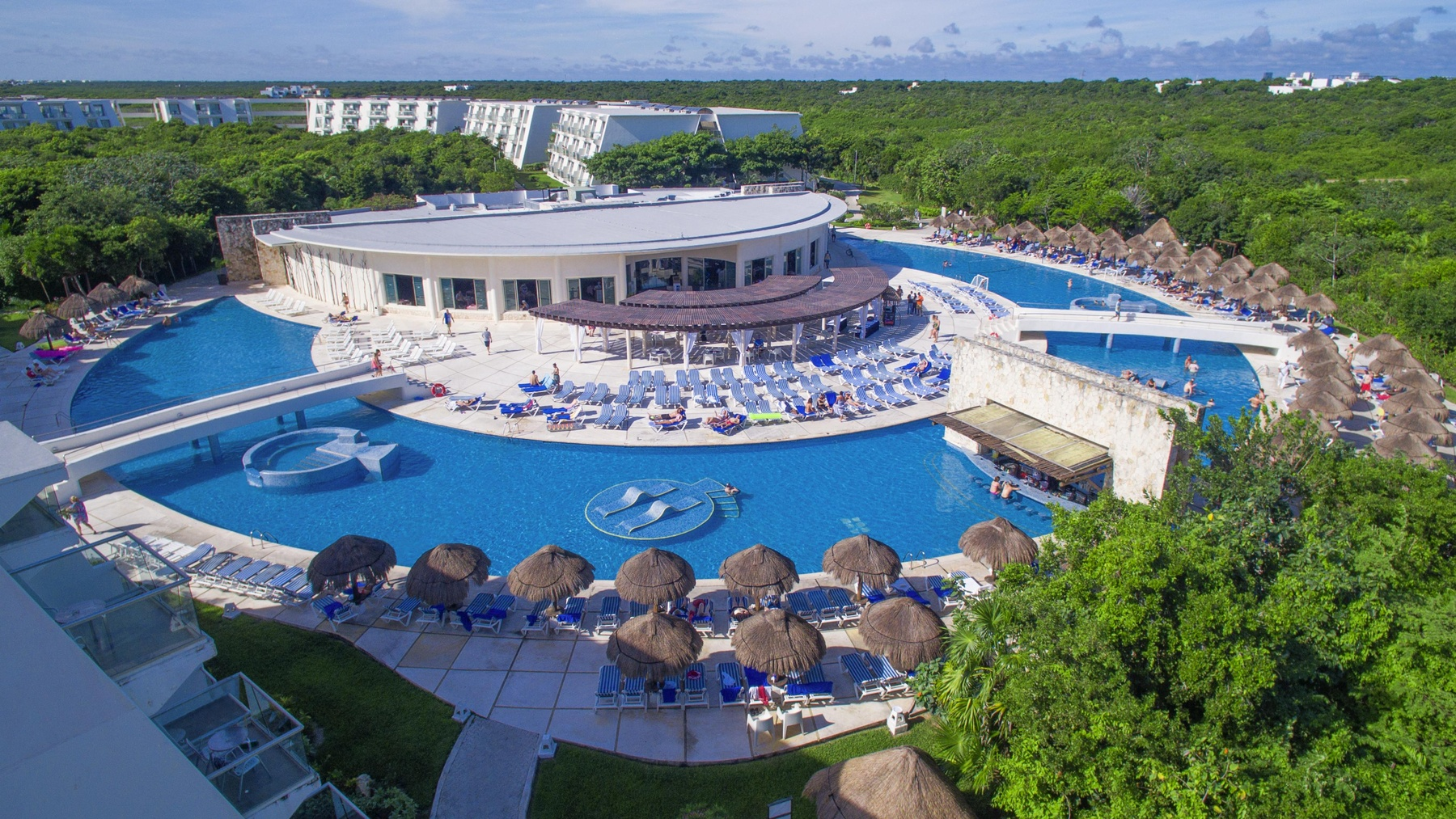 Casino hotel resort riviera newport tennis casino